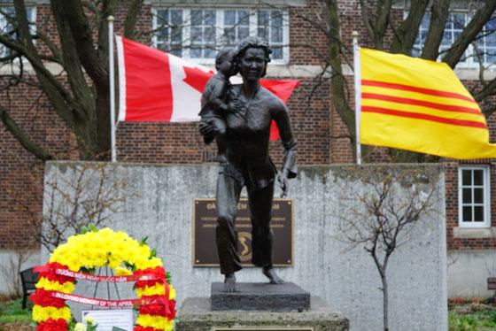 Image result for Lễ Tưởng Niệm Quốc Hận và Thượng Kỳ trước Quốc Hội Canada tại Thủ đô Ottawa