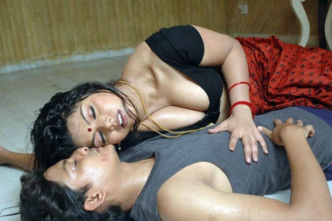 Hot Wallpapers World Hot Bed Scenes From South Indian