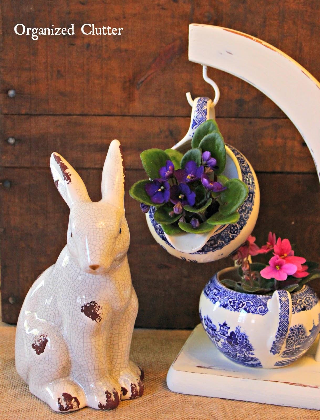 Spring Banana Stand & Creamer & Sugar Bowl Vignette