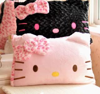 Gambar Bantal Hello Kitty 2