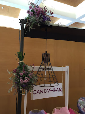 Mesa-carrito candy para boda de estilo romántico y bohemio