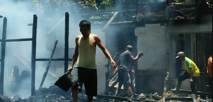 Ditianggal Panen Padi, Satu Rumah di Nanga Mahap Terbakar