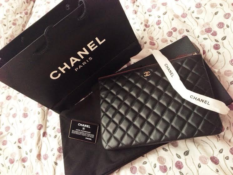 88137f73b11 Truly Vintage  Authentic Chanel o case Lambskin Medium Large Clutch Bag