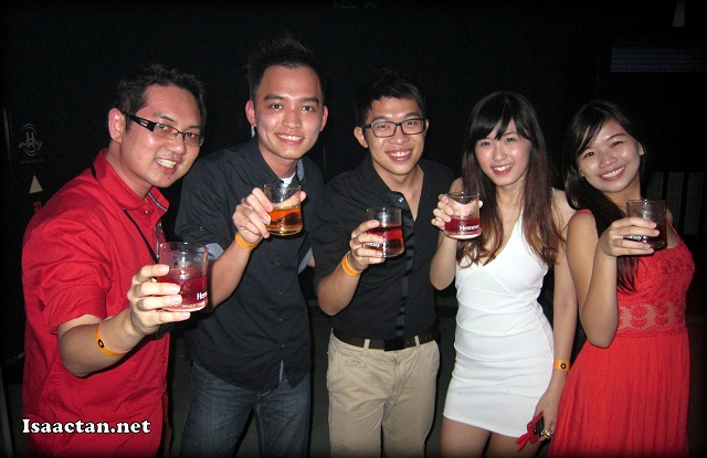 I even got to meet up with some of the Penang bloggers who came down to party