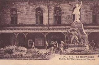 CPA monuments aux Morts du Puy-de-Dôme, le Mont Dore