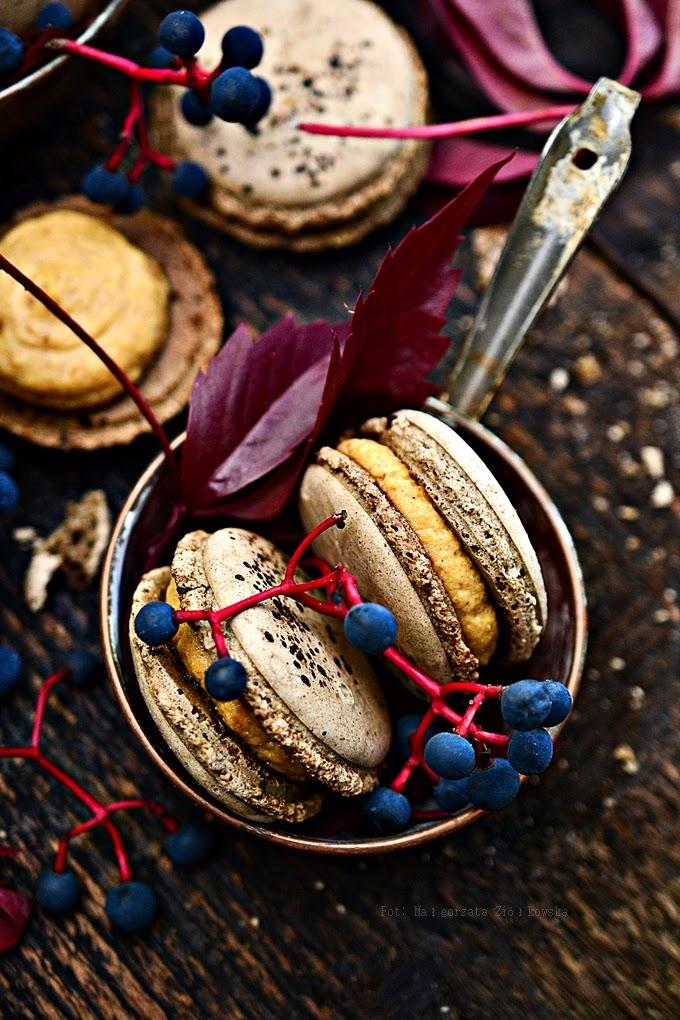 Jesienne kawowe makaroniki z dyniowo korzennym Almette
