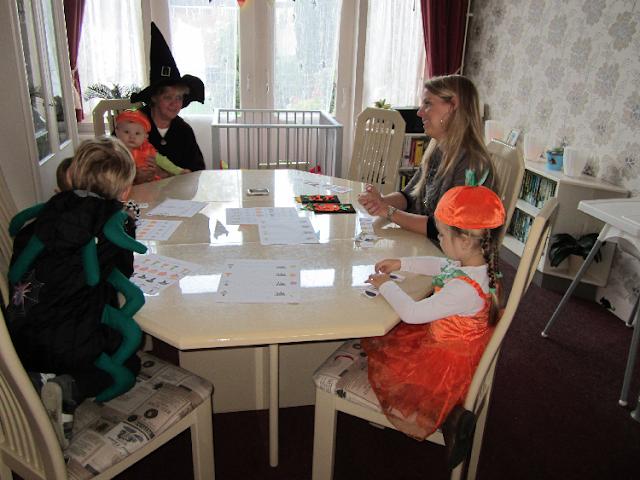 Halloween-feest spelletjes kleurplaten