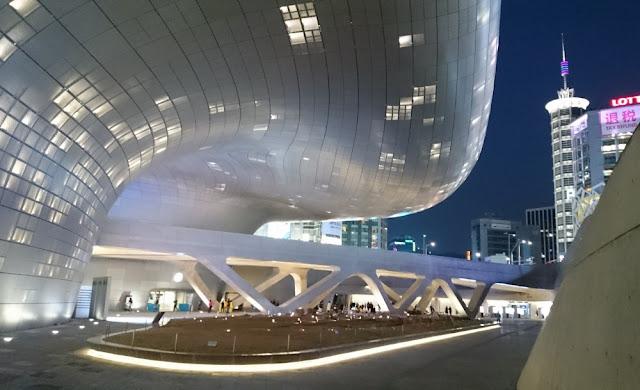 Seoul - Dongdaemun Design Plaza