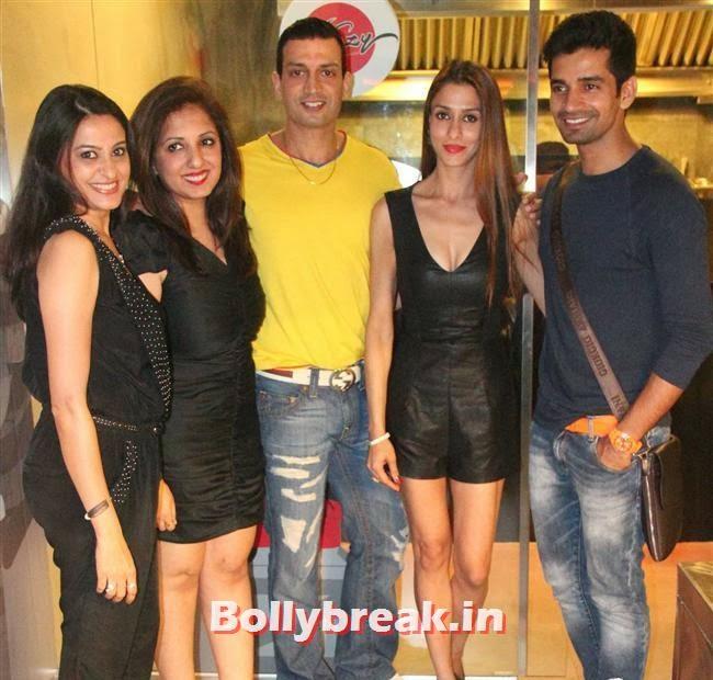 Smita Bansal, Munisha Khatwani, Rohit Narang, Shilpa Saklani and Vishal Singh at  'Stir Crazy' Restaurant Launch, Stir Crazy Restaurant Launch