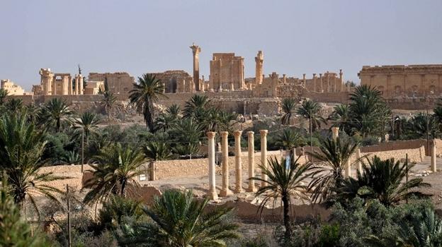 Ativistas dizem que grupo terrorista controla boa parte da cidade histórica, oito meses após ter sido expulso do local pelos militares sírios