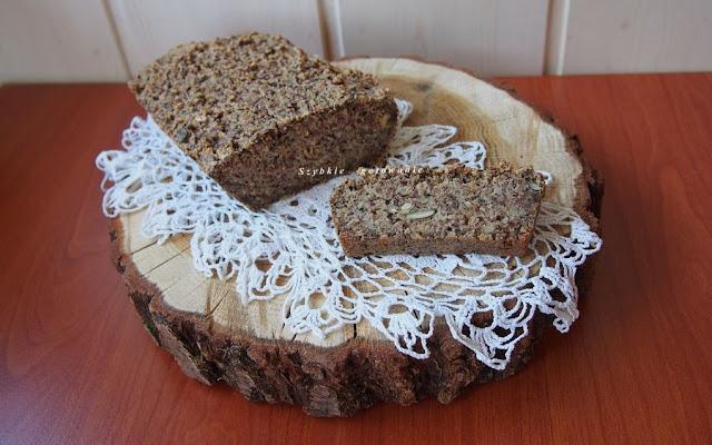 Owsiany chleb bezglutenowy (bez mąki, mleka i jaj)