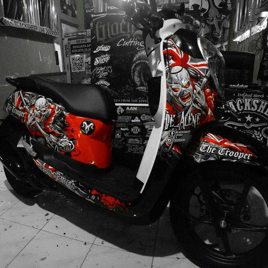 Honda Scoopy Iron Maiden Cutting Sticker Dark Red Blacksheep