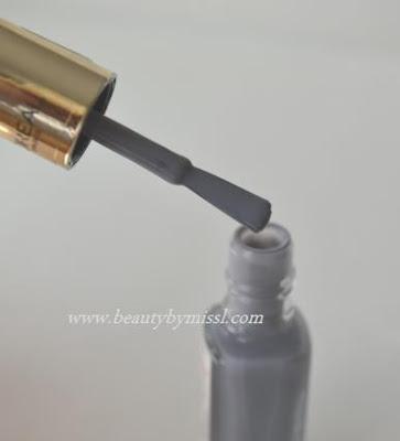 L'Oreal Color Riche nail polish brush