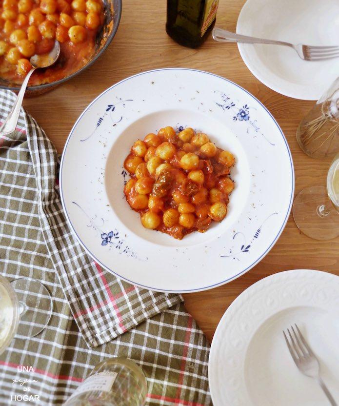 Ración de Ñoquis con salsa de tomate