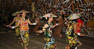 Tari Ayun Pala Tarian Daerah Kalimantan Barat