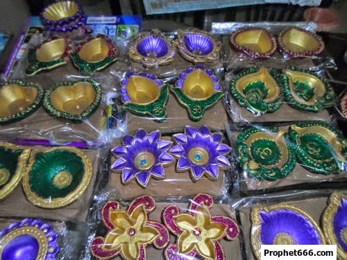A collection of clay and earthen Diyas for Diwali