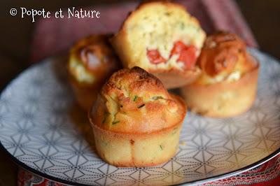 Muffins à la feta, tomates cerise et ail des champs © Popote et Nature