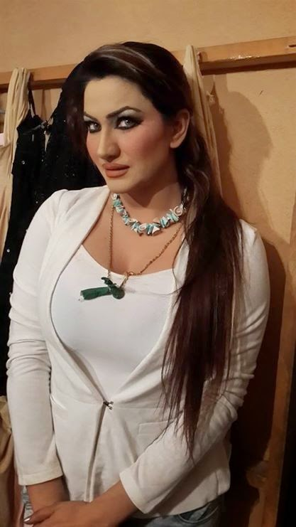 Khan pictures saima hot