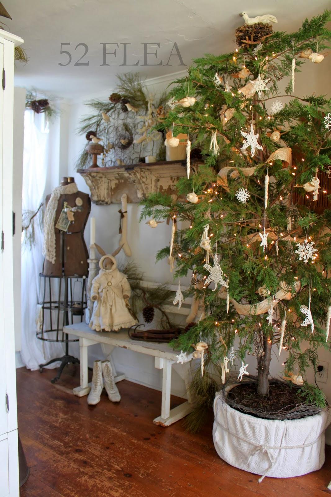 52 Flea Paula S Cozy Christmas Cottage 2013 Part 1