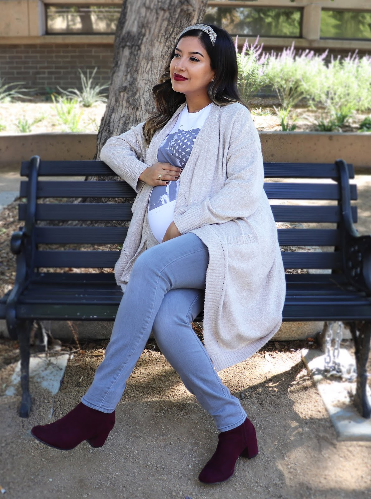 Maternity_Gray_Jeans_Tupac_Burgundy_Boots_Paisley_Fall_Outfit_01