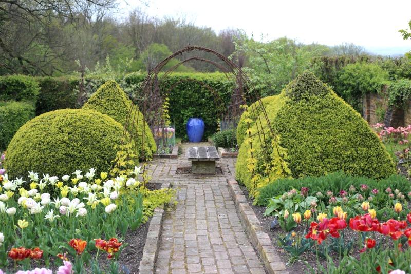 Paseo en el jardín de Perch Hill Farm