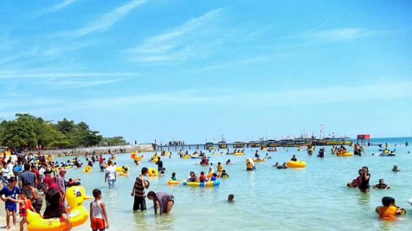 Tempat Wisata di Jepara Terbaru pantai Bandengan