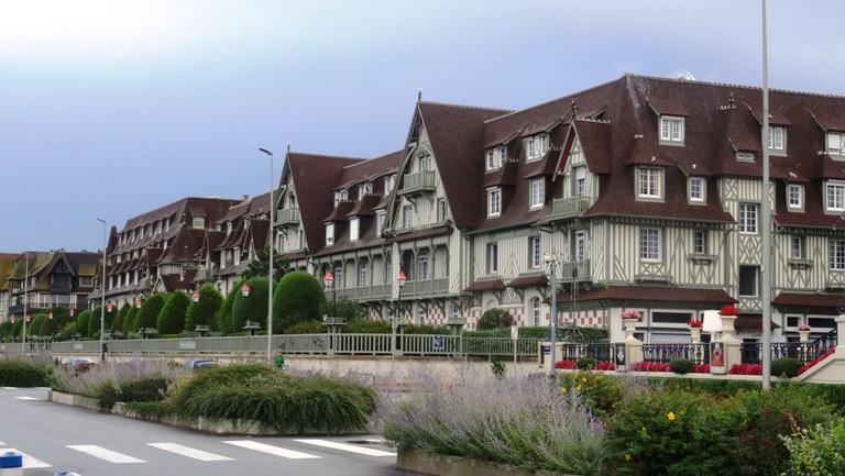 Zwiedzanie Normandii : Deauville