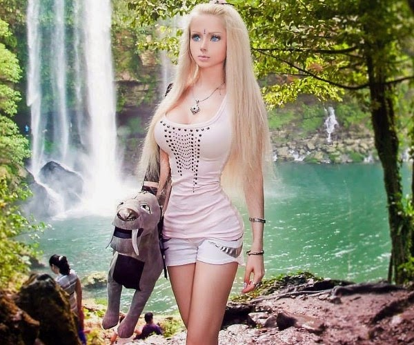 Lupakan Tubuh Molek Ala Barbie Cewek Down Syndrome Ini