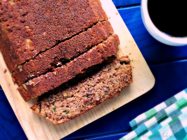 Zucchini Bread w/ crushed pineapple - lacocinadeleslie.com