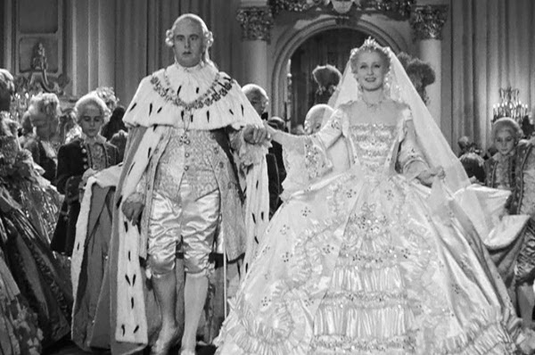 Reading Treasure: Marie Antoinette's Wedding Dress