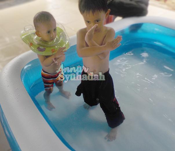 Cara pujuk anak mandi, Tips mudah nak pujuk anak mandi, mandi buih sangat menyeronokkan Bagaimana Nak Ajak Anak Mandi