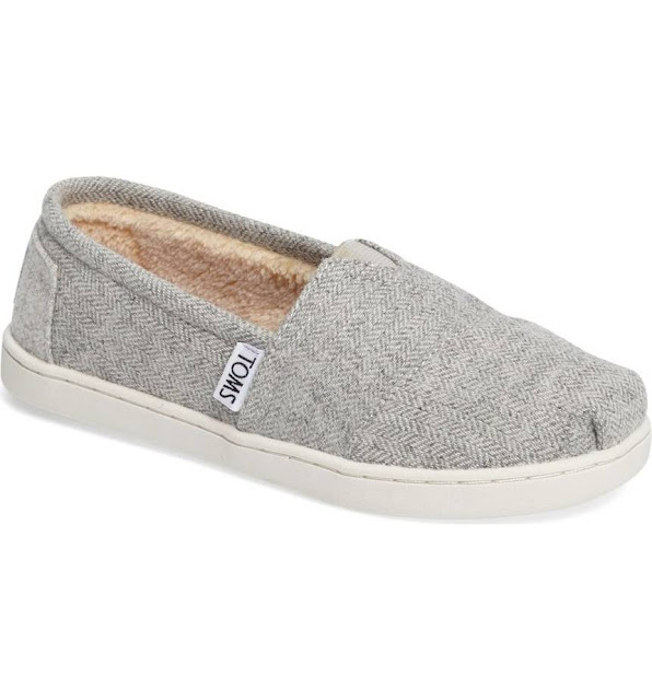 Nordstrom: Girls' TOMS only $19 (reg $41) + Free Shipping!