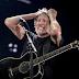 A vaia histórica ao antissemita Roger Waters é a coroa que todo canalha merece