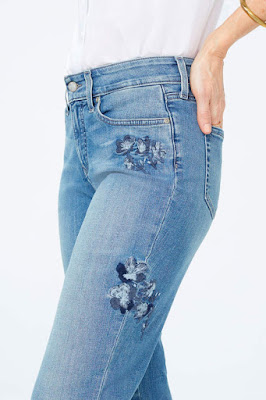 Tricky Trend - Floral Jeans ( My Favorite Floral Jeans ) www.toyastales.blogspot.com #ToyasTales #FloralJeans