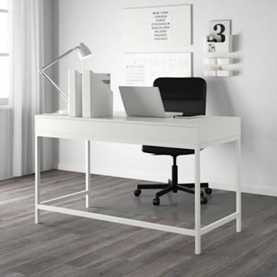 Belanja Perabotan Kantor di IKEA