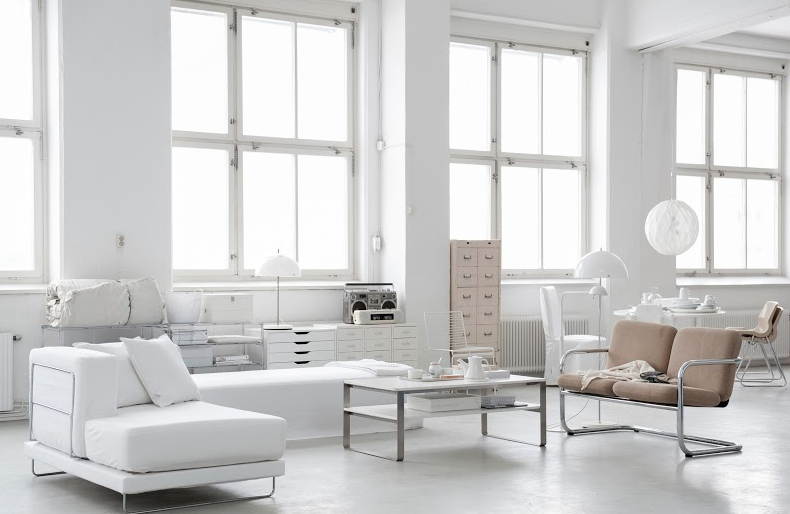 A pure white sofa: the foundation for interior decor in 2015