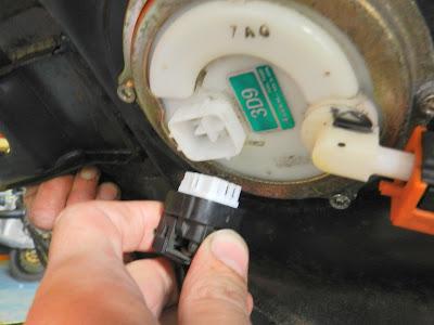 Yamaha YBR 125 Engine removal