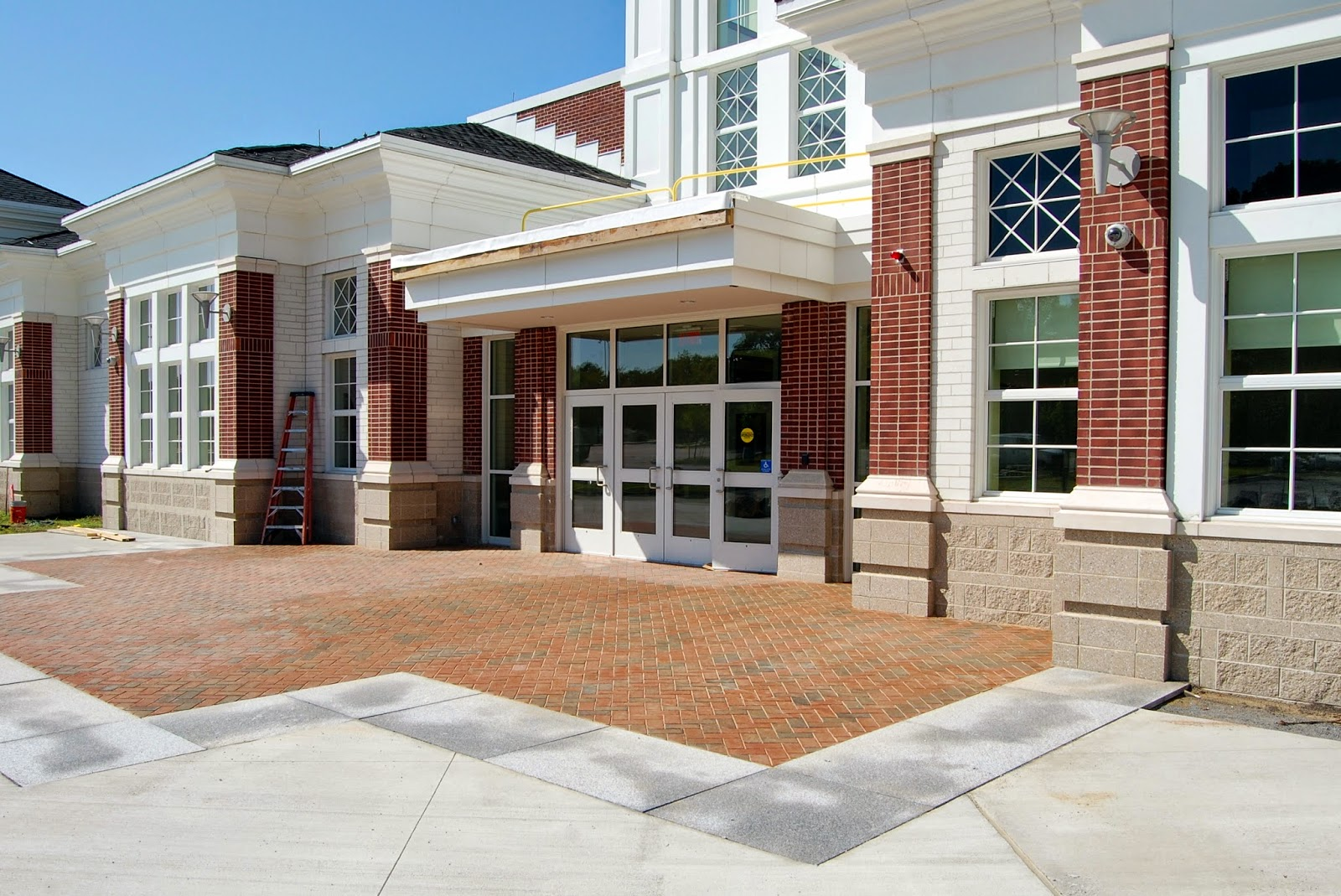 main entrance to new Franklin High School