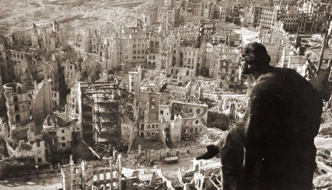 Crimenes de guerra y responsabilidad internacional