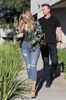 Khloe Kardashian Street Style 2017 Fashion
