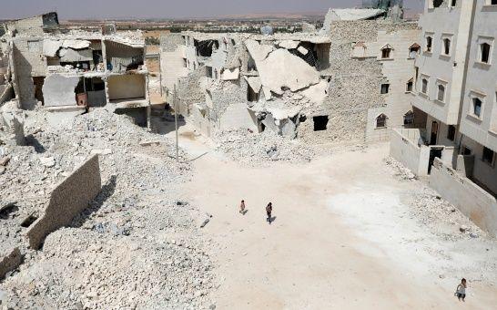 Sirios apoyados por EE.UU acusan a Rusia de bombardear una de sus posiciones