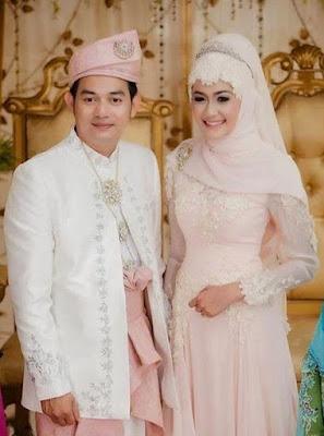 Gaun Pengantin Muslimah Anggun