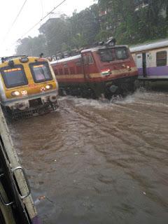 Mumbai : Train Updates : Heavy Rain