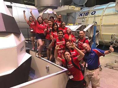 Team KIBO happy dapat jumpa real KIBO