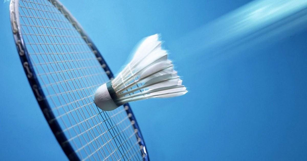 Badminton Shuttle En Racket