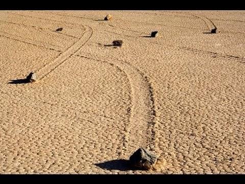 Batu Bergerak Sendiri di California