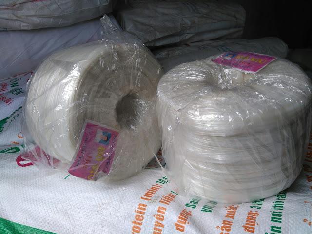 dây buộc nilon trắng