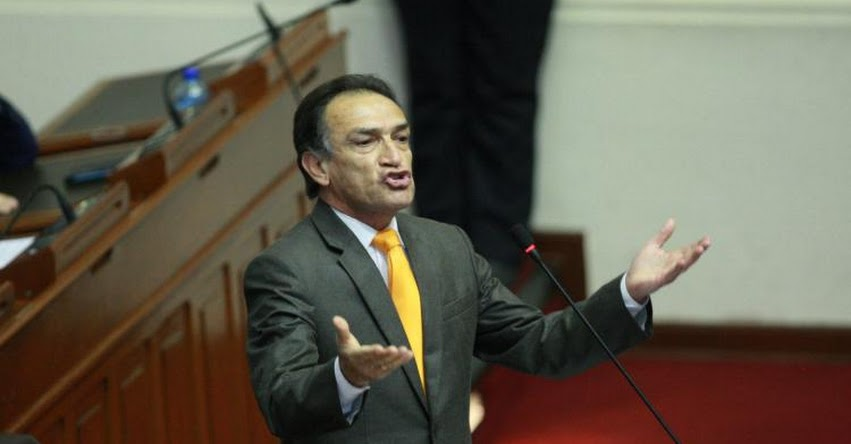 Fuerza Popular ya decidió votar a favor de la vacancia el jueves, anunció el congresista Héctor Becerril