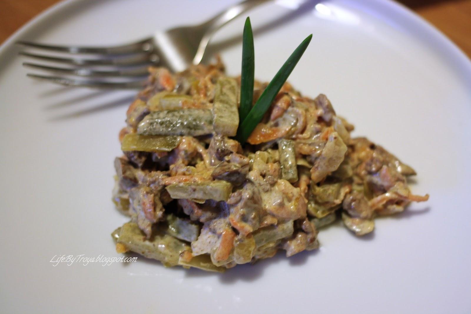 Рецепты свекольного салата, «на все случаи жизни», слоёный с сыром, овощное вкусное блюдо, «сытый гость», «новогодние часы», с морковью по-корейски, из куриных субпродуктов.