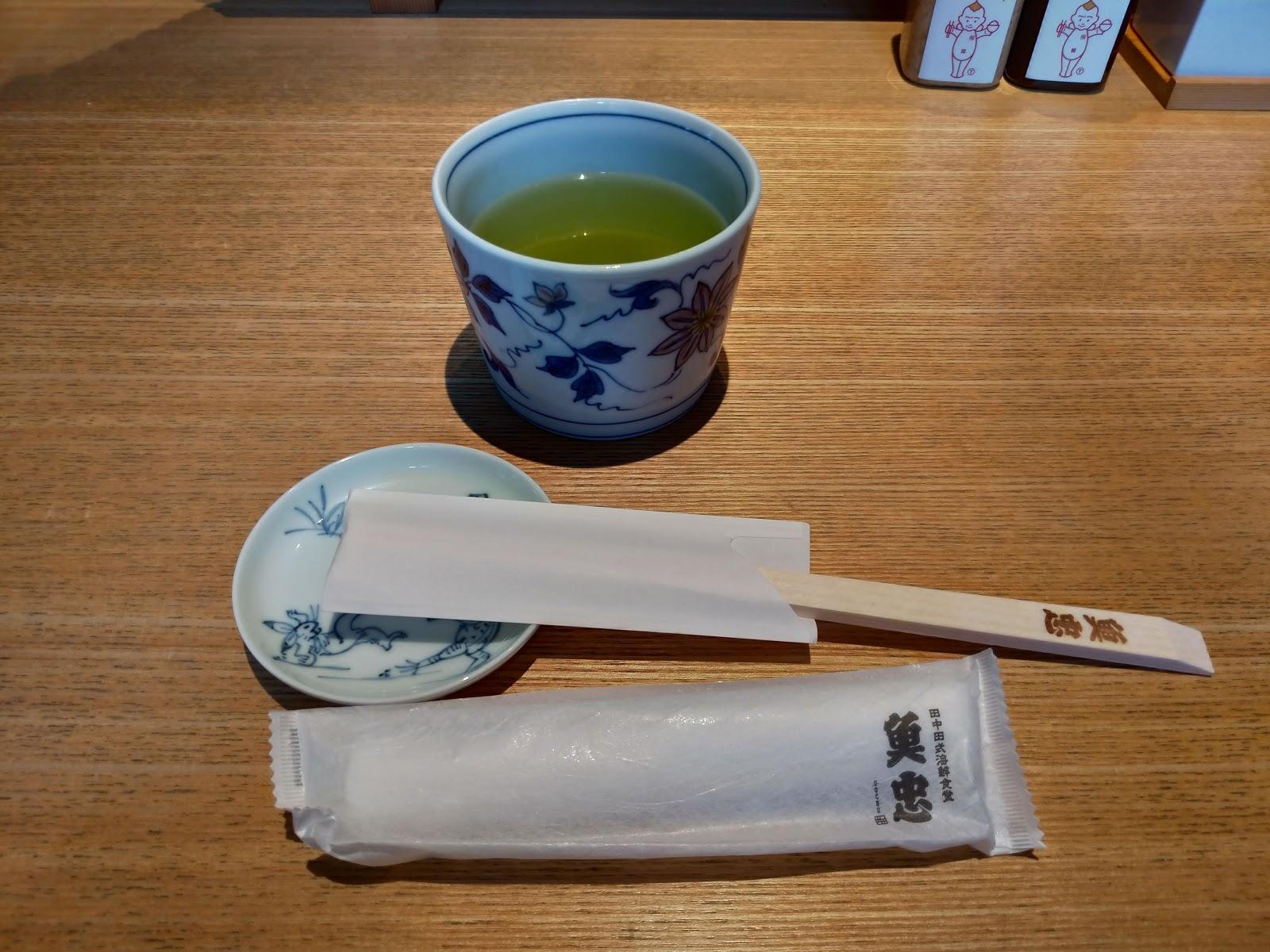 お箸【福岡グルメ】福岡市今泉 魚忠でうに、いくら、まぐろの魚忠丼ランチがおすすめです!
